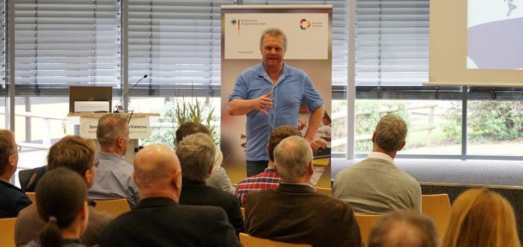 """Innovation Hub Spitzensport – Videobeitrag von WISS-Mitinitiator Prof. Eckehard """"Fozzy"""" Moritz"""